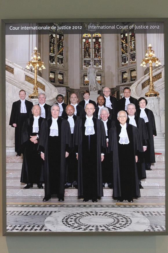 2012年の裁判官一同