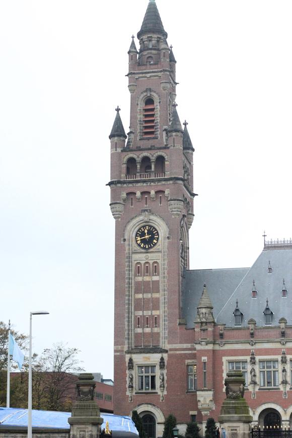 平和宮の時計